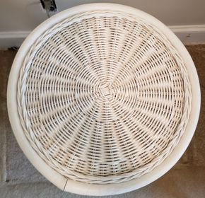Lot 005 Wicker Round Table 24H x 15.875W PICK UP IN WILLISTON PARK,NY