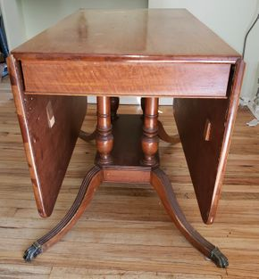Lot 015 Mahogany Drop Leaf Dining Table 30H x 22W /Drop Leafs 22W PICK UP IN WEST ISLIP, NY