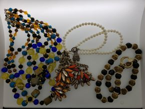 Lot 018 Lot of Costume Jewelry Necklaces Size Range 14-18 inch PICK UP IN GARDEN CITY,NY