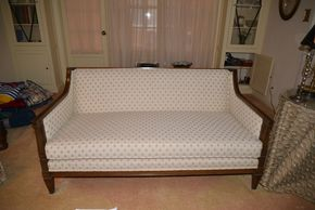 Lot 014 Upholstered Sofa 28H x 59W x 31.625L PICK UP IN ROCKVILLE CENTRE, NY