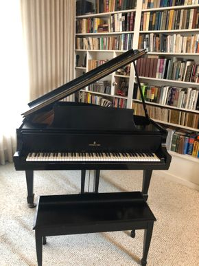 Lot 001 PU Steinway and Sons Baby Grand Piano w/Bench AS IS May not be in working condition PICK UP IN ROCKVILLE CENTRE