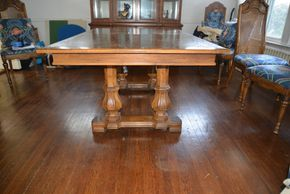 Lot 035 Wood Dining Table 30H x 44W x 68L PICK UP IN GARDEN CITY
