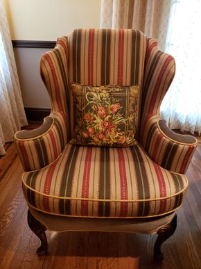 Lot 032 CC-PU TAG SALE 9-13-19/ Furniture Upholstered Armchair 43H x 34W x 20D PICK UP IN ROCKVILLE CENTRE, NY