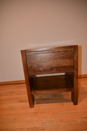 Lot 018  RUSTIC WOOD END TABLE 24.5H X 18LX X 18W PICK UP IN PORT WASHINGTON