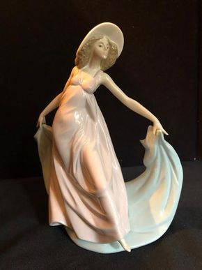 Lot 067 Lladro 5663 Spring Dance PICK UP IN GARDEN CITY