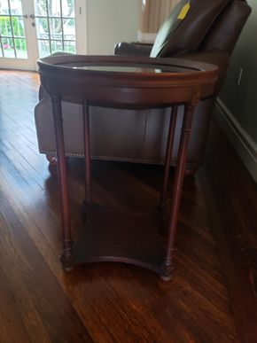 Lot 003 Vintage Round Glass End Table 29H  x 19W PICK UP IN GARDEN CITY, NY
