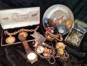 Lot 010 Lot Of Costume Jewelry PICK UP IN WEST HEMPSTEAD