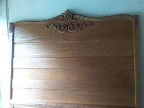 Lot 011 Head Board 72.5 Inches Tall and Foot Board 33.5 Inches Tall PICK UP IN ROCKVILLE CENTRE