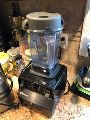 Lot 077 Lot of 2 High End Juicer and a Mixer PICK UP IN MINEOLA