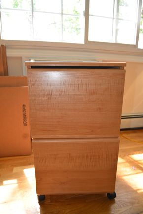 Lot 028 2 Drawer File Cabinet /Wheels 27.5H x 15.5W x 15L PICK UP IN MINEOLA, NEW YORK