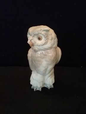 Lot 090 Nao Owl PICK UP IN ROCKVILLE CENTRE