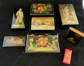 Lot 017 CC-PU needs itemized bill at Pick Up/Lot of 7 Russian Lacquered Miniature Boxes (size varies )/1 Small Address Book PICK UP IN CARLE PLACE,NY