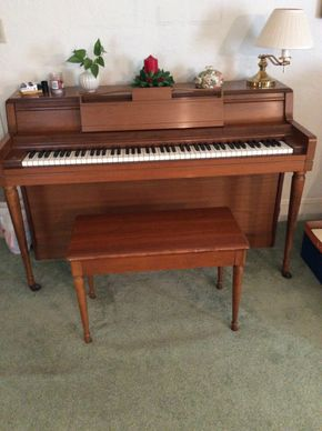 Lot 092 Wurlitzer Upright Piano Very Good Condition 37H x 12W x 56.5L PICK UP IN GARDEN CITY