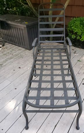 Lot 019 2-Pc. Metal Outdoor Furniture  Lounge Chair 15H x 23.5W x 50L (Back 33H )/ Side Table 19H x 22.5W PICK UP IN HEWLETT,NY