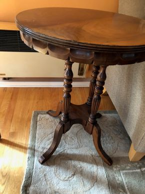 Lot 031 Round carved 3 legged table 25D x 31 H ITEM MUST BE PICKED UP IN LONG BEACH