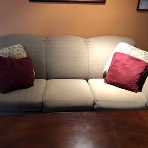 Lot 033 Loveseat 60L x 41W x 40D and Couch 85L x 42W x 38H ITEM MUST BE PICKED UP IN LONG BEACH
