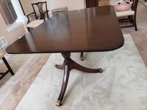 Lot 020 Mahogany Double Pedestal Dining Table Approx. Dimensions 30H x 44W x 66L /2Leafs PICK UP IN EASTPORT,NY
