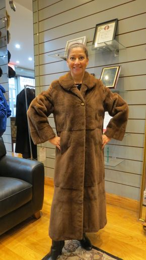 Lot 019 Natural Demi Sheared Mink Coat Size 8 49in Sleeve28in Sweep 59in Style 2326 - - Item Num: 7541-22