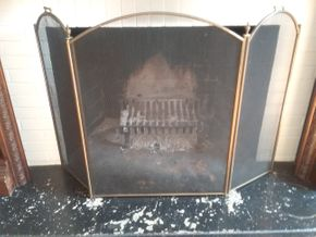 Lot 061 Fireplace Screen 34H X 51L  PICK UP IN OLD WESTBURY