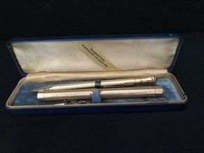 Lot 012 Antique Gold Filled Pen 4.5 inches Long  And Pencil 5inches Long. PICK UP IN INWOOD.