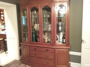 Lot 099 Bernhardt China Cabinet 82H x 14.5W x 64.5L PICK UP IN GARDEN CITY