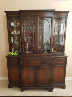 Lot 017 Vintage China Cabinet (ITEMS NOT INCLUDED) Approx. Dimensions 75H x 58..625 X 18DPICK UP IN EASTPORT,NY