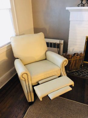Lot 036 White Leather NailHead Lounger Chair  26H x 35W x 43H PICK UP IN BELLEROSE VILLAGE 11001