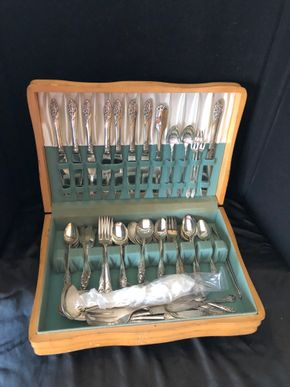 Lot 013 Community Plate Incomplete Flatware service ITEMS MUST BE PICKED UP IN LONG BEACH