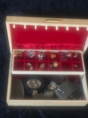Lot 029 Costume Jewelry Lot PICK UP IN NORTH BABYLON