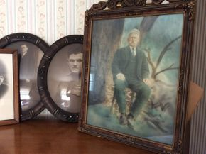 Lot 096 Lot Of Antique Portraits PICK UP IN GARDEN CITY