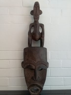 Lot 065 African Wood Carved Mask 26.5 Inches Tall PICK UP IN OLD WESTBURY