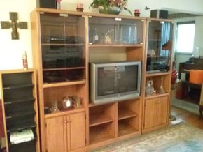 Lot 006 Entertainment Center 71.5 x 16x 85.5 PICK UP IN HOWARD BEACH