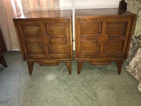 Lot 009 Lot Of Two John Cameron Mid Century End Tables. AS IS Scratches. 24H X 18W X 19.5L. PICK UP IN STONY BROOK.