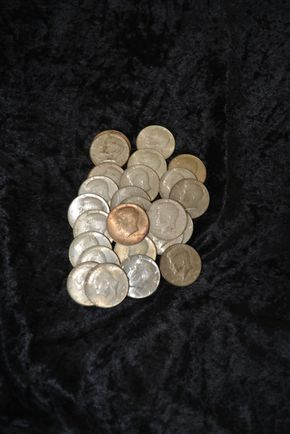 Lot 006  Pick Up Lot of Silver Clad Half Dollars PICK UP IN GARDEN CITY