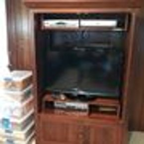 Lot 042 Ethan Allen Entertainment Center 70Hx76Wx48Long CAN BE PICKED UP IN GARDEN CITY.