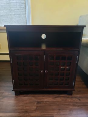 Lot 009 Media Console 2 Glass Doors and 2 Shelfs 30.5H x 28W x 16D PICK UP IN GARDEN CITY, NY