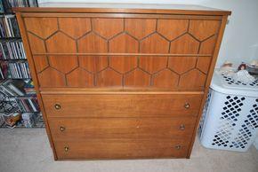 Lot 016 Wood 5 Drawer Dresser 44H x 34.25W 17L PICK UP IN SEAFORD, NY