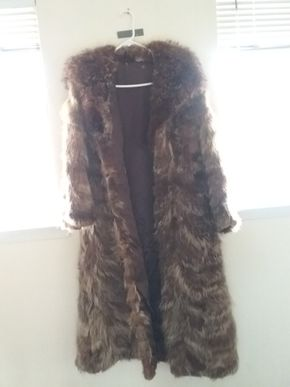Lot 011 Ladies Raccoon Coat Size M.L PICK UP IN GLEN COVE