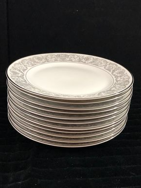 Lot 173 Lot of 12 Rosenthal Dinner Plates