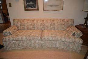Lot 018 Upholstered Sofa 30H x 82W x 32L PICK UP IN ROCKVILLE CENTRE, NY