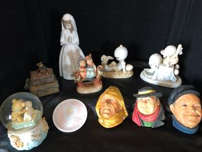 Lot 003 Lot of 11 Collectibles including Hummel, Precious Moments, Nao ITEMS MUST BE PICKED UP IN LONG BEACH