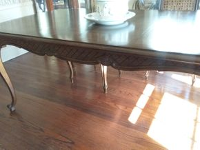 Lot 009 Dining Room Table 30 x 41.5 x 69 PICK UP IN ROCKVILLE CENTRE
