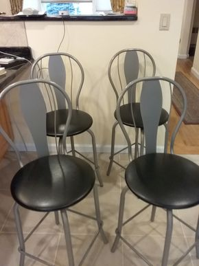 Lot 015 Lot Of 4 Metal Bar Stools 39.5 Inches Tall PICK UP IN OCEANSIDE