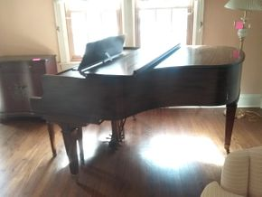 Lot 001 Baby Grand Piano and Bench PICK UP IN ROCKVILLE CENTRE