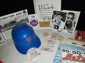 Lot 016 Lot of Sports Memorabilia PICK UP IN MINEOLA,NY