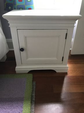 Lot 079  Pottery Barn Night Stand 24H x 17 x 24L PICK UP IN LAWRENCE
