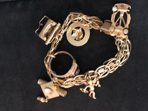 Lot 037 TJ DEL/ 14K Gold Charm Bracelet including Charms PICK UP IN GARDEN CITY
