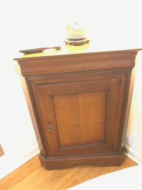 Lot 017 Grange Corner Cabinet 36.6H x 16W x 28L PICK UP IN MANHASSET
