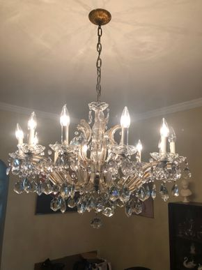 Lot 032 Murano Chandelier Buyer must remove the fixture PICK UP IN BROOKLYN