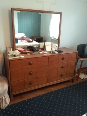 Lot 033 6 Drawer Henredon Dresser With Mirror 32H x 18.5W  x 60L Mirror 32.75Tall PICK UP IN FLORAL PARK